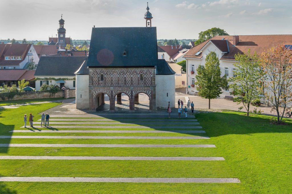 bergstrasse_roter riesling_Königdhalle Kloster Lorsch Unesco Weltkulturerbe
